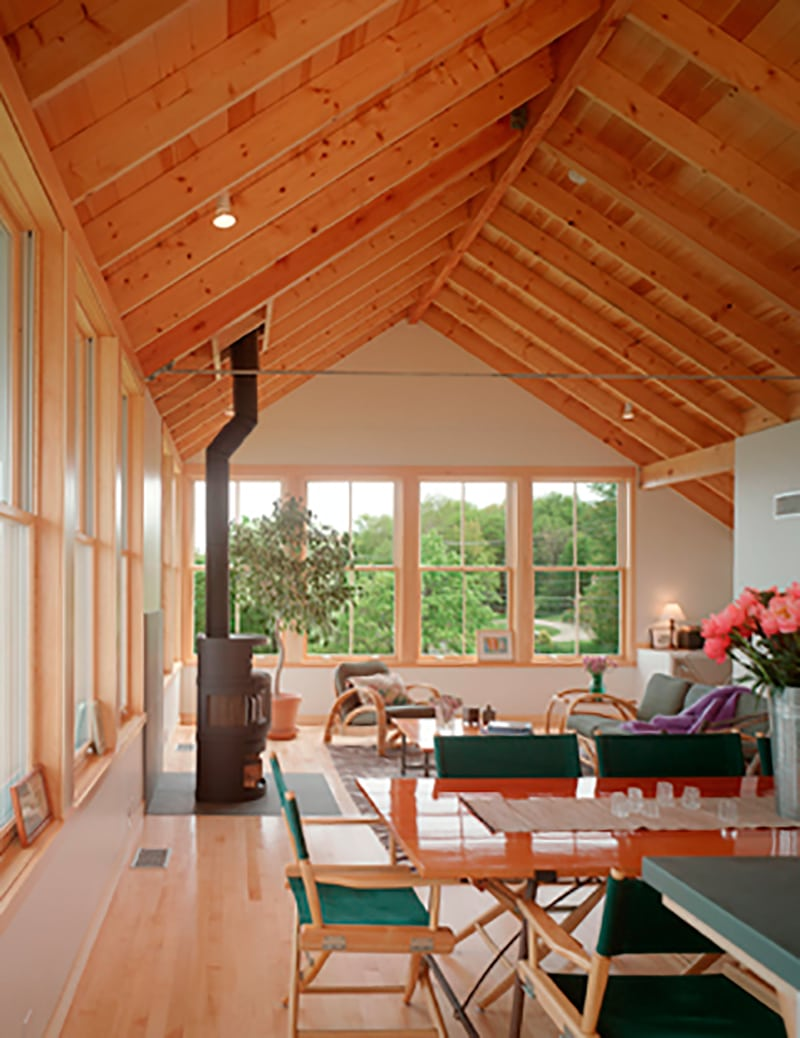 Casa de madera sobre pilotes de hormig n osprey house canexel - Interiores de casas prefabricadas ...