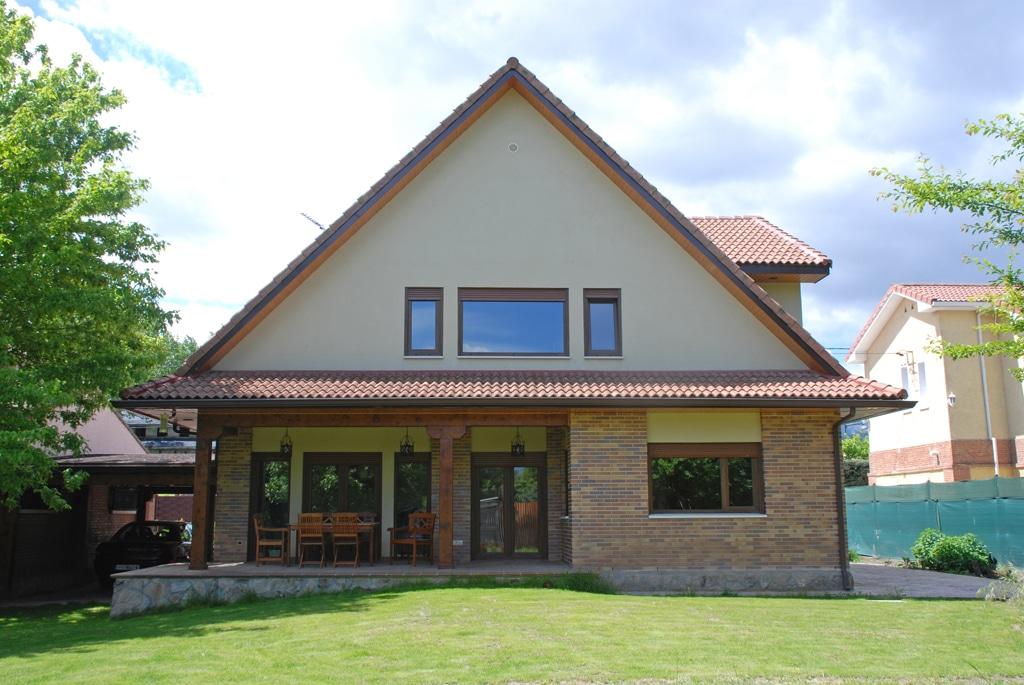 Casa vernon canexel for Porches de casas pequenas