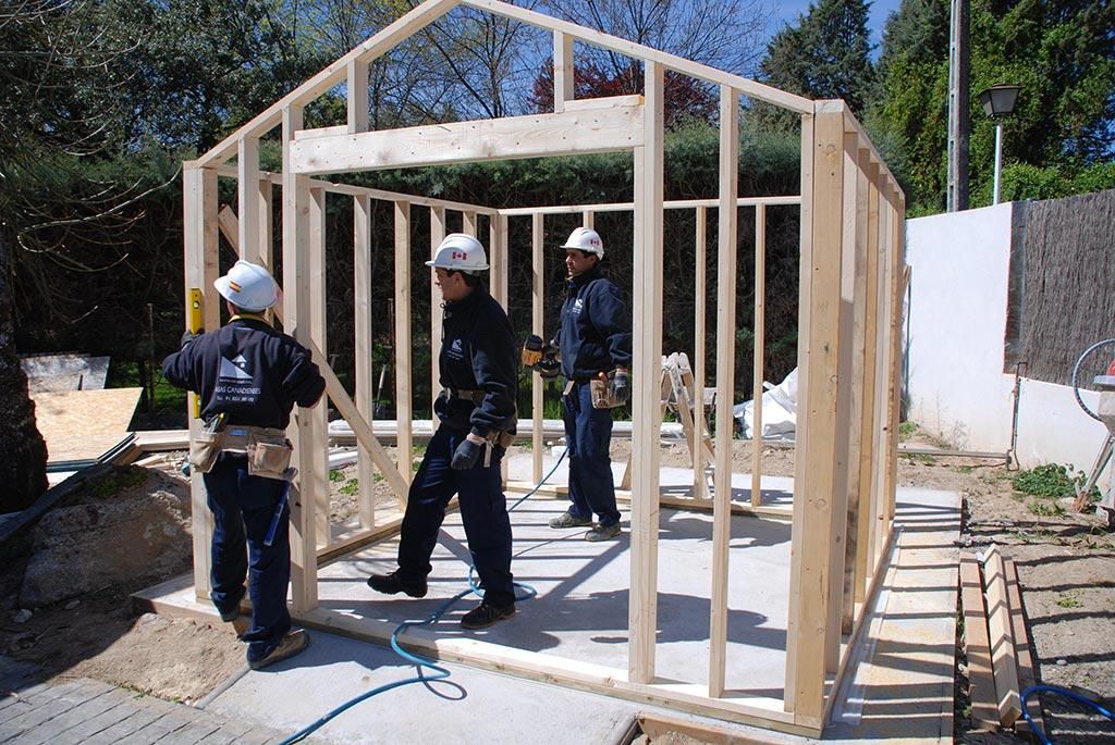 Casetas de jard n canexel construcciones - Estructura casa de madera ...