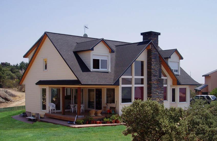 Casa montreal canexel for Casas americanas de madera