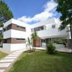 casa moderna brava house