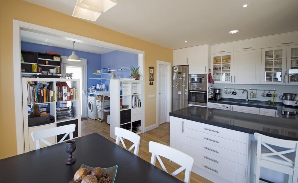 Casa canadiense st john for Cocina y lavanderia juntas