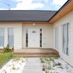 entrada-vivienda-de-madera