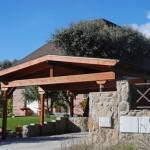 porche-de-madera-como-garaje