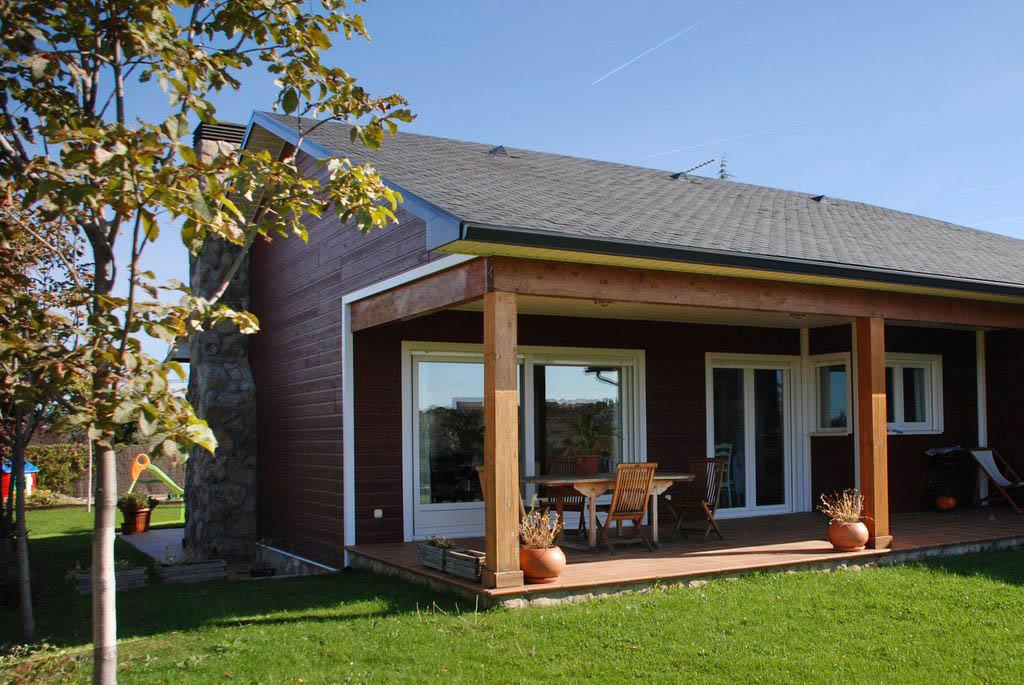Porches de madera y cenadores de alta gama for Casas industrializadas precios y modelos