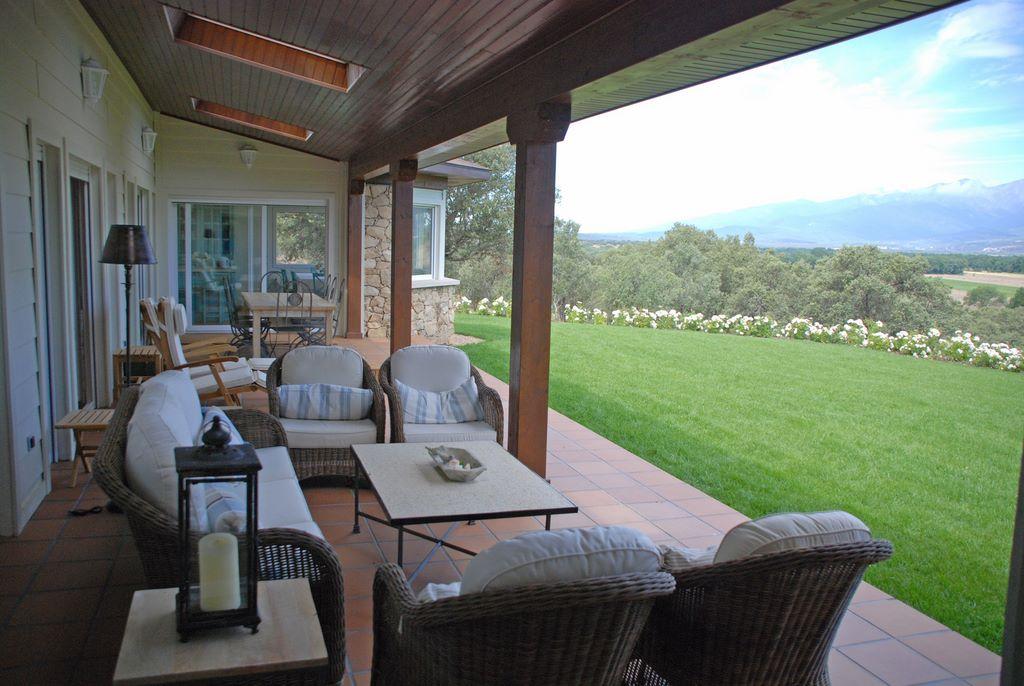 Porches de casas de campo stunning piscina color garden - Porches de casas de campo ...