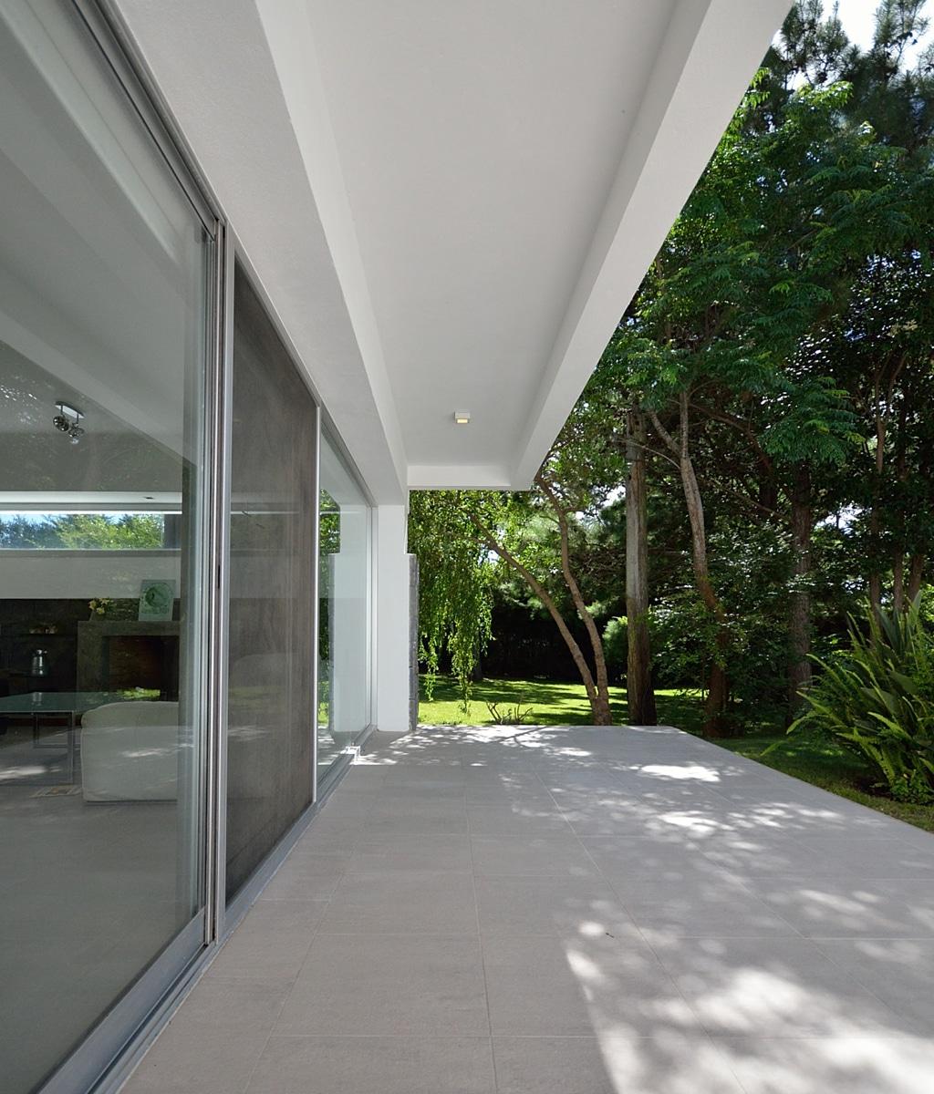 Casa brava house canexel - Porche entrada vivienda ...