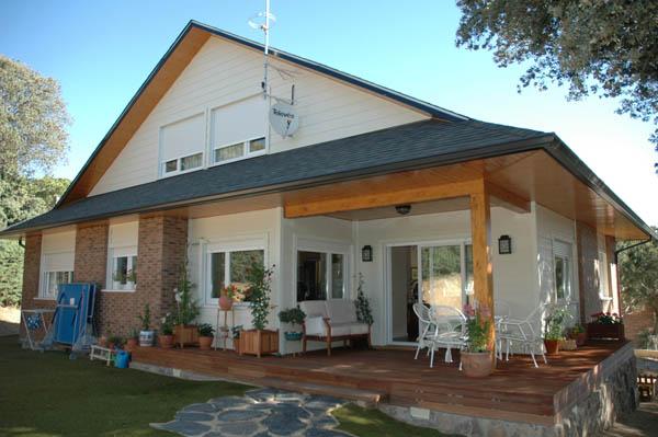 Porches de madera y cenadores de alta gama - Porche entrada vivienda ...
