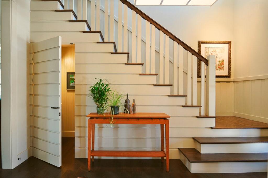 Ideas para aprovechar el espacio del bajo escalera canexel for Hueco bajo escalera