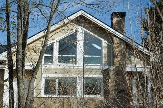 casa adosada de madera