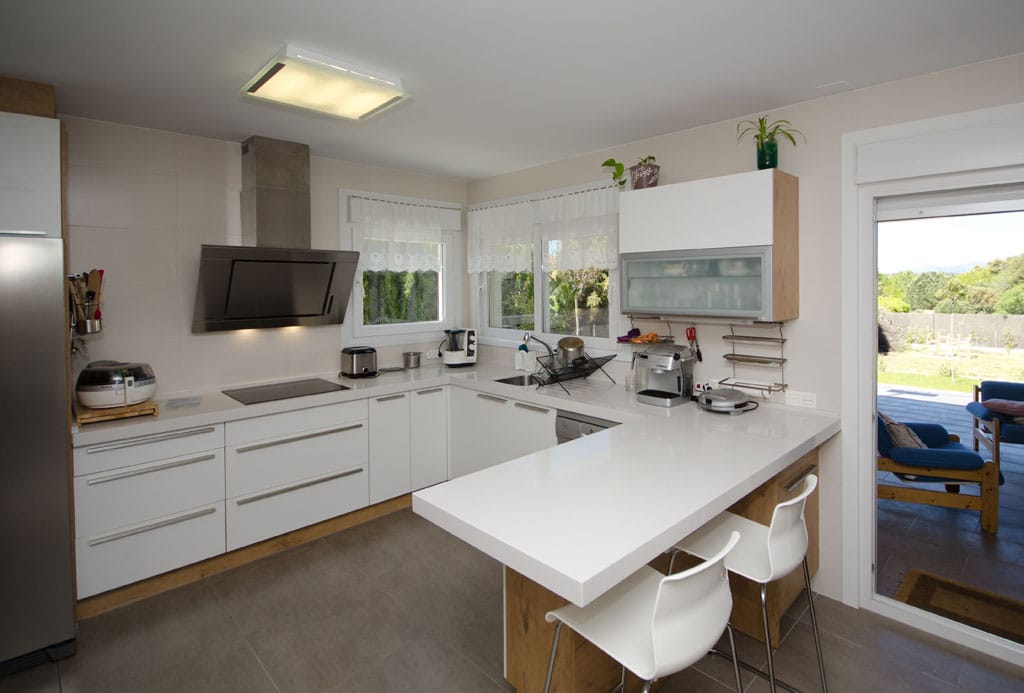 Casa de madera broadback dise ada y construido por canexel for Cocinas interiores casas