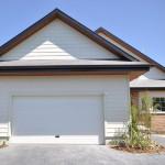 Puerta de Garaje - Edmonton, casa de madera
