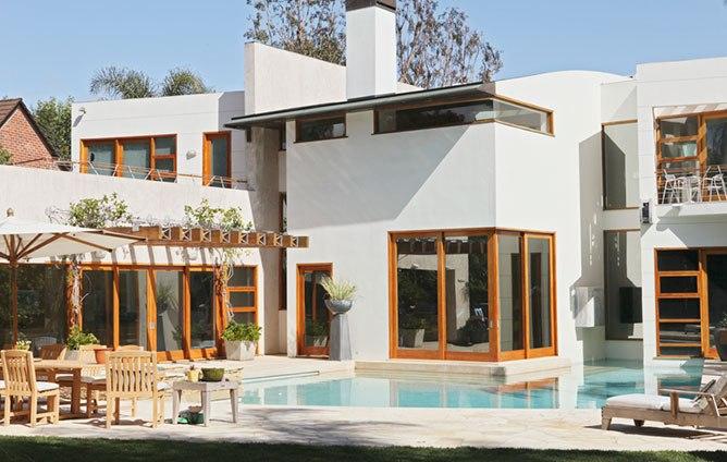 Las casas de la serie modern family canexel for Modern family house 90210