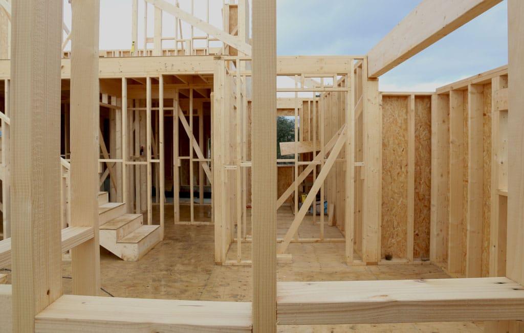 Montaje de estructura casa de madera en valdemorillo canexel - Casas estructura de madera ...