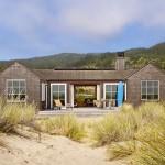 casas de madera en la playa
