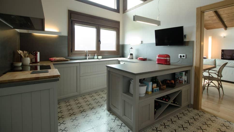 cocina rústica en casa de madera
