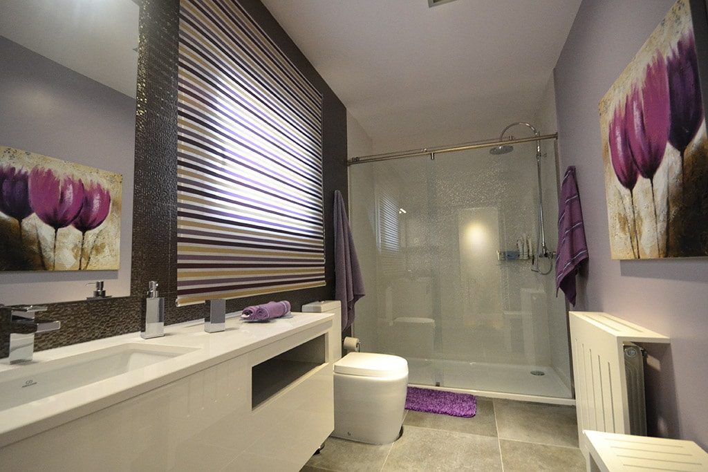 ducha de obra en baño pequeño
