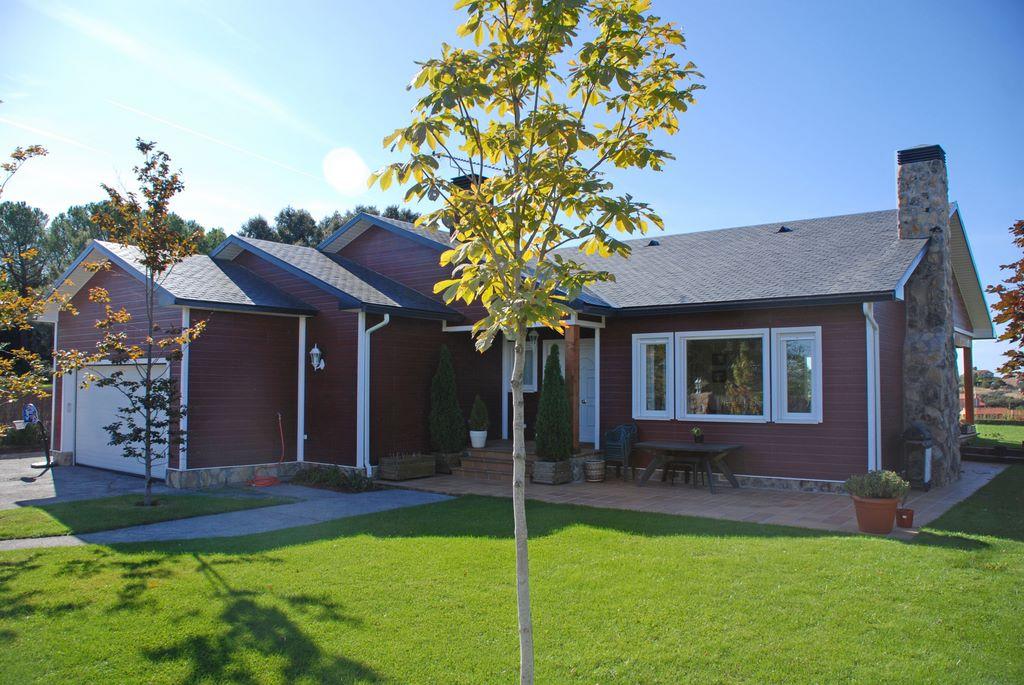 Construir en una o dos plantas canexel casas de madera - Casa de una planta ...
