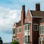 fachada de casa de lujo