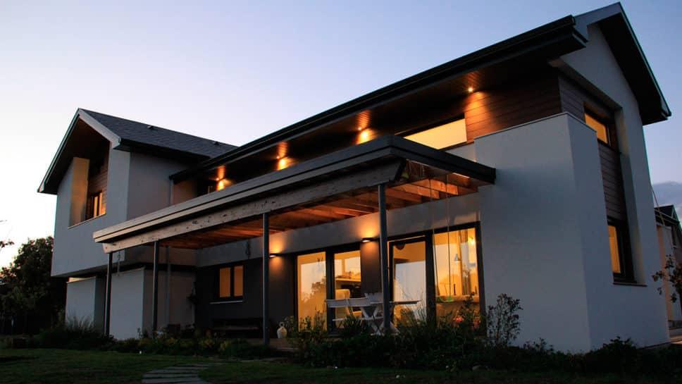 fachada casa moderna noche