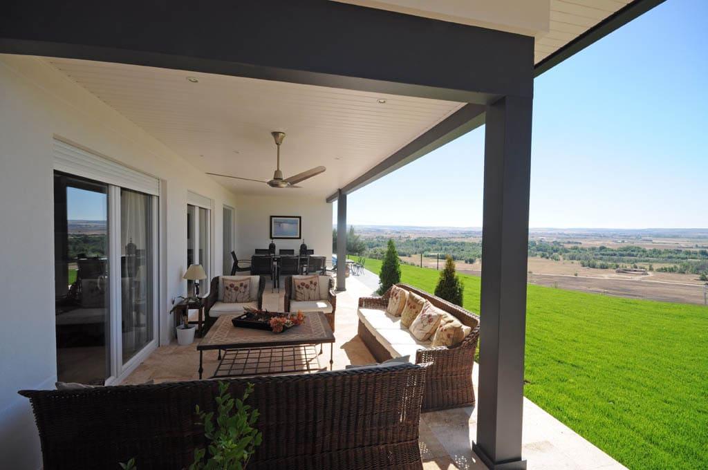 Porche deck o sunroom la transici n con el exterior - Porche entrada vivienda ...