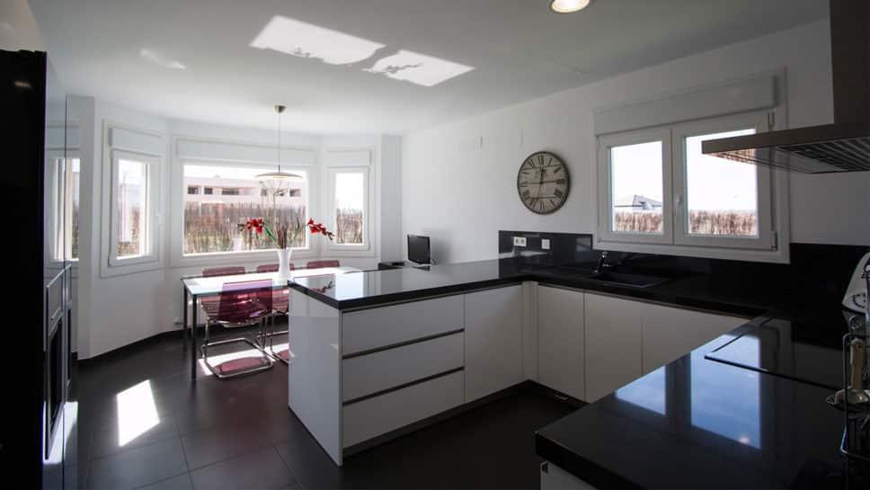 cocina con bay window