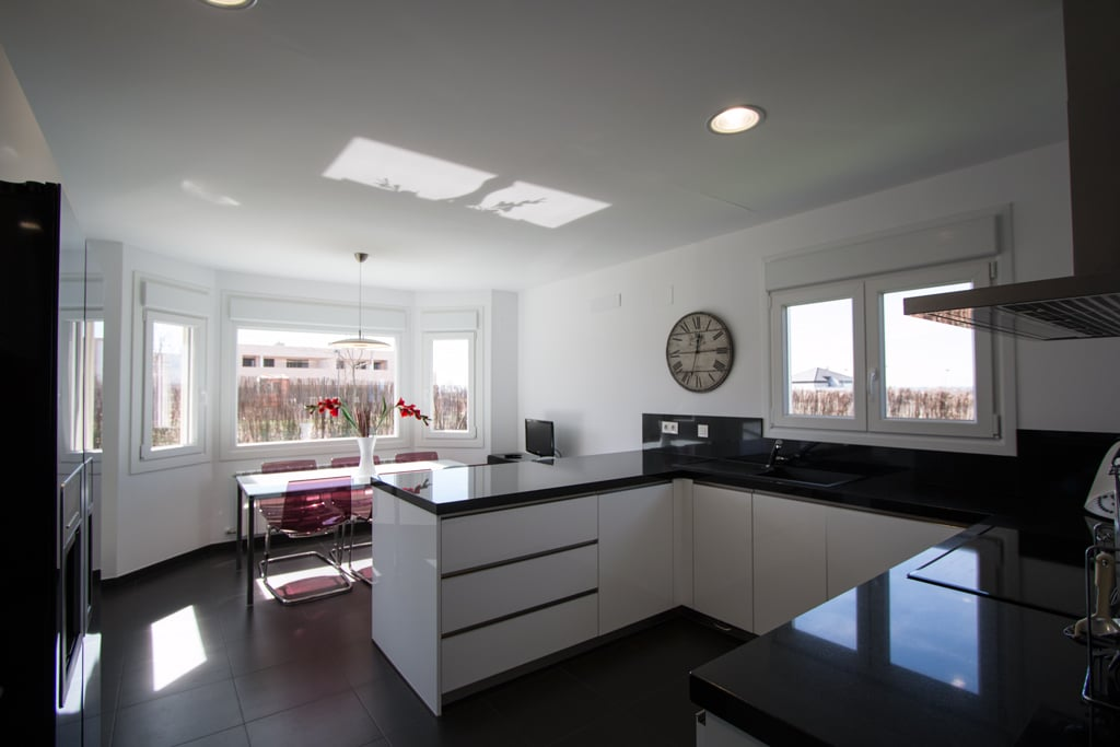 Ideas para dise ar la cocina de tu casa canexel - Cocinas con peninsula ...