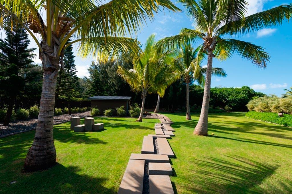 Casa moderna de lujo en hawaii canexel for Fotos de jardines de casas modernas