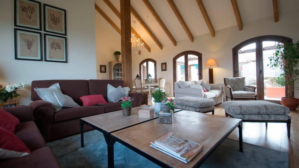 salón de casa de madera