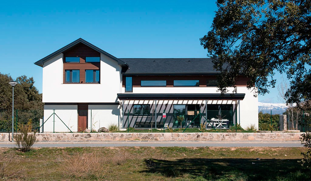 Casas de dos pisos canexel for Fachada de casa moderna de una planta