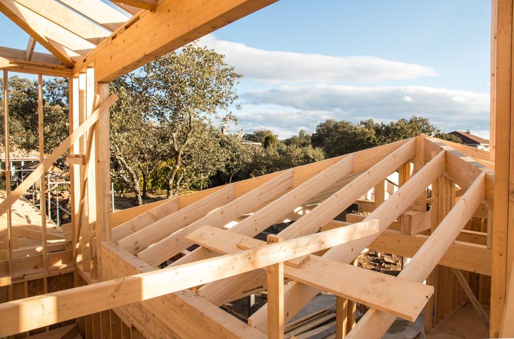 Casas de madera mejores que las tradicionales las 5 claves - Propiedades de la madera ...