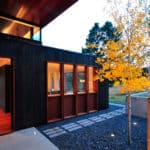 casa madera tonos oscuros