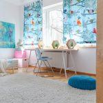 dormitorio infantil con mesa