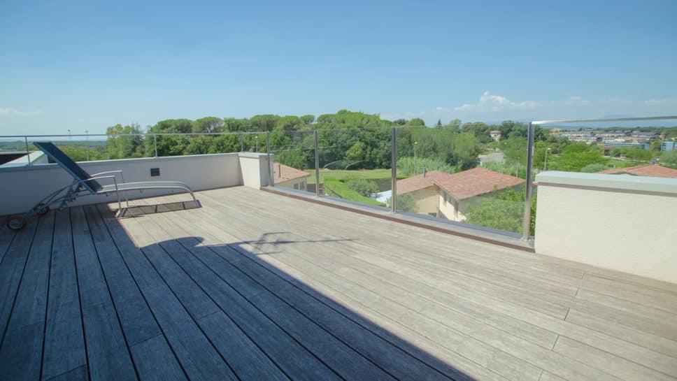 terraza con vistas de girona