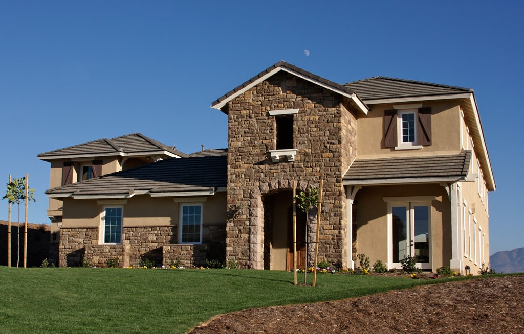 casa americana de estilo toscano