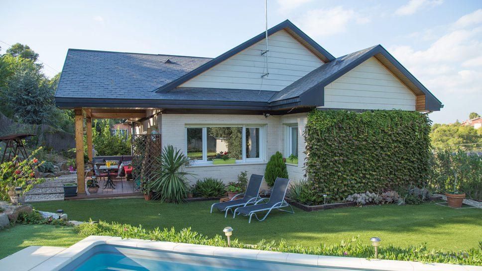 casa con piscina ladrillo y canexel