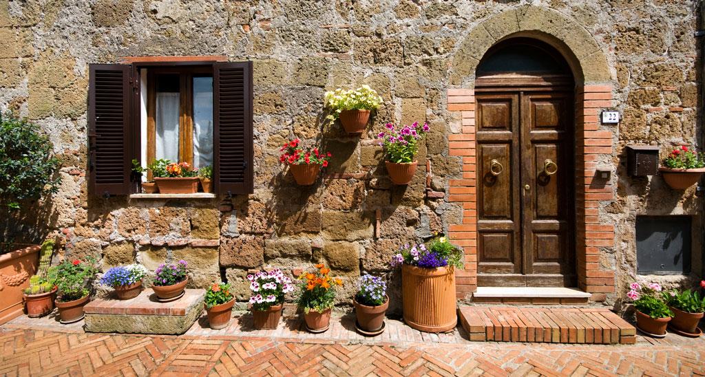 piedra y ladrillo en fachada