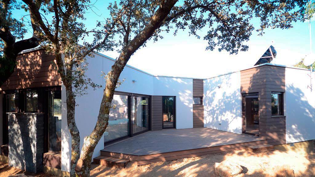 casa moderna con deck composite
